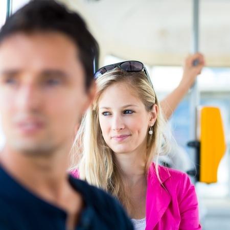 Vom guten Ton in öffentlichen Verkehrsmitteln damals und heute