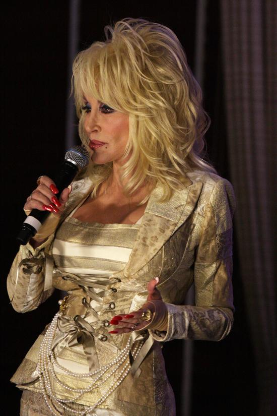 Dolly Parton: Nicht ganz echt – aber immer authentisch