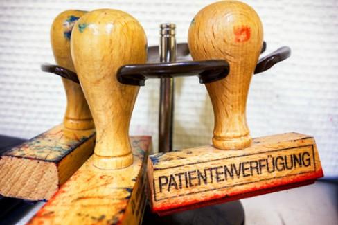 Patientenverfügung – Würdevoll leben und sterben