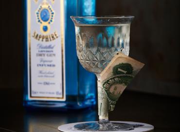 Gin and Tonic: Vom Malaria-Mittel zum Gentleman-Getränk