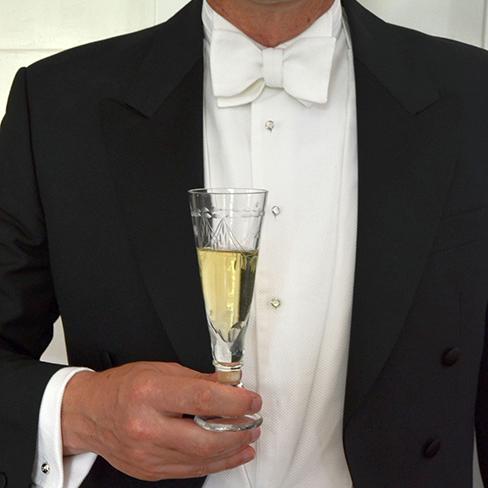 Welche Accessoires passen zum Black und White Tie?