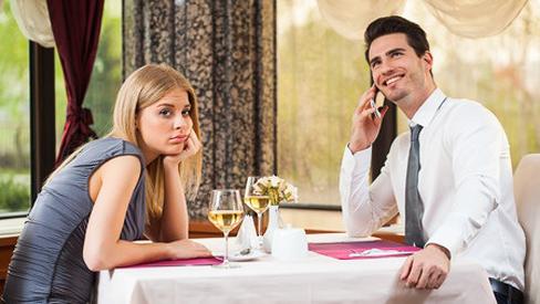 10 Dinge, die Mann beim ersten Date vermeiden sollte