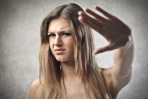 10 Dinge, die Frauen an Männern unattraktiv finden