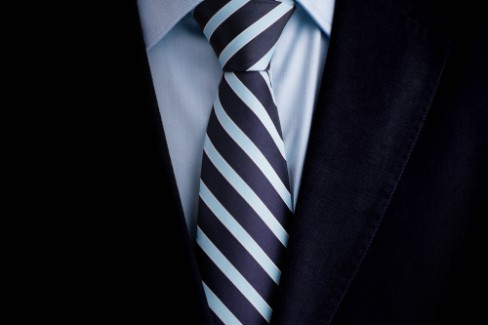 Step-by-Step: Krawattenknoten richtig binden